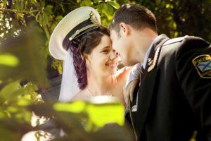 непринужденные свадебные фотографии